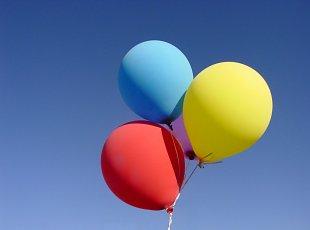 Anima ringul de dans prin Dansul cu baloane